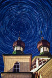 Orthodoxer Tempel in der Kaluga-Region von Mittel-Russland nachts Lizenzfreies Stockbild