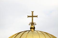 Orthodoxes Goldkreuz stockbild