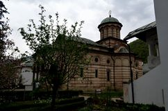 Orthodoxes Kloster in der alten rumänischen Stadt Stockbild