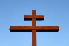 Orthodoxes Kreuz auf blauem Himmel Lizenzfreie Stockbilder