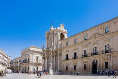 ORTIGIA, ITALY - AUGUST 20, 2017: tourists and locals visit the Stock Photos