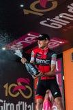 Ortisei, Włochy Maj 25, 2017: Tejay Samochód dostawczy Garderen, Bmc drużyna, świętuje na podium jego zwycięstwo Obraz Royalty Free