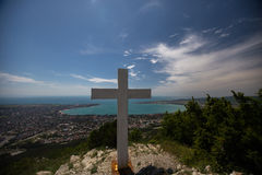 Ortodoksa krzyż na górze w Gelendzhik Krasnodar region Rosja 22 05 16 Zdjęcie Royalty Free