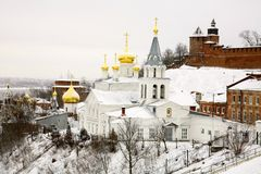 Ortodox kyrka av Elijah Prophet och Kreml Nizhny Novgorod Arkivbilder