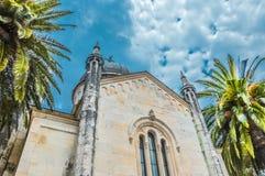 Ortodox kyrka av St Michael ärkeängeln i den centrala Belavista fyrkanten, Herceg Novi, Montenegro Arkivfoto