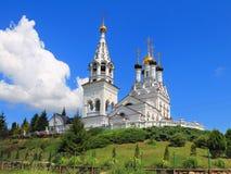 Ortodox kyrka av tro, hopp och välgörenhet och deras moder Sophia i Bagrationovsk Arkivfoton