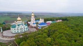 Ortodox kyrka i byn av Bancheni Fotografering för Bildbyråer