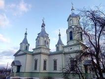 ortodox kyrka i den Lukashi byn (Ukraina) arkivfoton