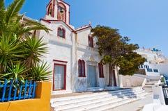 Ortodox kyrka i huvudstaden av Thera också som är bekant som Santorini, Fira, Grekland Royaltyfri Fotografi