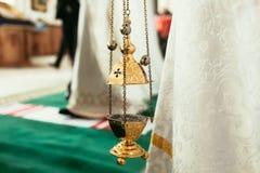 Ortodox symbolslampa Kyrkligt attribut Lampstand kyrka Kristendomen och tro Religiös tempel Bön och penitens royaltyfri bild