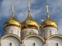 ortodoxa kyrkliga kupoler Royaltyfri Foto
