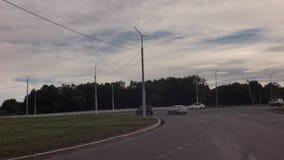 Ortodoxkors på ingången till staden av videoen för Petropavlovsk-Kamchatsky materiellängd i fot räknat stock video