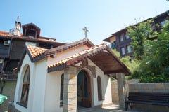 Ortodoxt kapell på Blacket Sea i Bulgarien Royaltyfri Bild