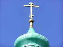 Ortodoxt kors i den Kirillo-Belozersky kloster Royaltyfri Foto