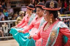 ORURO, BOLÍVIA - 10 DE FEVEREIRO DE 2018: Dançarinos no carnaval de Oruro dentro Imagens de Stock Royalty Free