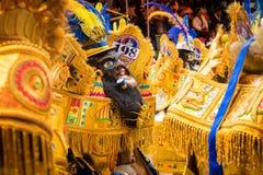 ORURO, BOLÍVIA - 10 DE FEVEREIRO DE 2018: Dançarinos no carnaval de Oruro dentro Foto de Stock Royalty Free