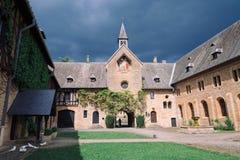 ORVAL, BÉLGICA - MAYO DE 2018: Entrada de la abadía famosa de Orval en belga Imagen de archivo