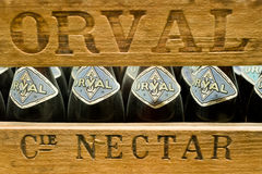 Orval, Belgique - 8 mai 2015 : Bière de trappiste d'Orval image stock
