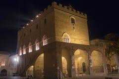 Orvieto Umbria, Italia, Palazzo storico Soliano di notte Fotografia Stock