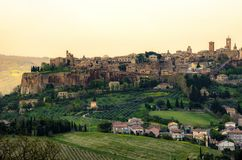 Orvieto - Umbria - Italien - Orvieto stadsvärd det berömda helgonet Patrick Well eller Pozzo di San Patrizio royaltyfri bild