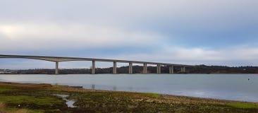 Orwell overbrugt de Orwell-brug over de rivier Orwell royalty-vrije stock foto