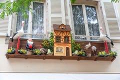 Oryginalnie dekorujący okno w Strasburg zdjęcia royalty free