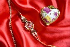 Oryginalny handmade rakhi na jedwabniczym płótnie fotografia royalty free
