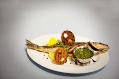 Oryginalny rybi jedzenie Zdjęcia Royalty Free