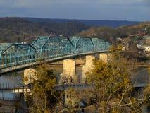 Orzech włoski ulicy most--Chattanooga, Tennessee zdjęcia stock