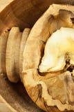 Orzechy włoscy i drewniany dziadek do orzechów Super foods dla ludzkiego mózg zdrowi orzech włoski Świezi orzech włoski Zdjęcia Stock
