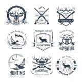 Os ícones do clube de caça caçam o animal selvagem da época de caça do rifle da arma do caçador da aventura ilustração royalty free