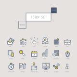 Os ícones do negócio ajustaram-se no estilo linear fino realístico Imagens de Stock
