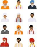 Os ícones indianos diferentes dos avatars dos caráteres dos homens idosos e novos ajustaram-se no estilo liso no fundo branco dif Imagens de Stock