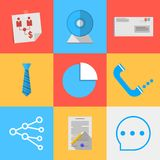 Os ícones lisos para externalizam uma comunicação Fotos de Stock Royalty Free