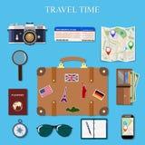 Os ícones modernos da ilustração do vetor do estilo liso do projeto ajustaram-se de planear umas férias de verão, viajando na via Fotos de Stock Royalty Free