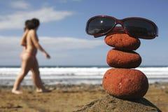 Os óculos de sol empilham e mulheres Foto de Stock Royalty Free
