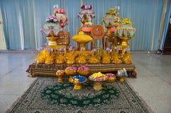 os acessórios para assentam bem em uma monge Fotos de Stock Royalty Free
