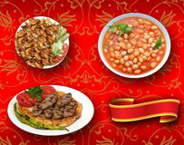 Os alimentos turcos, turcos falam: yemekleri do rk do ¼ do tÃ, doner, fasulye do kuru, kofte do pideli foto de stock