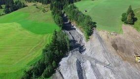 Os aluviões scar os montanheses de Áustria que seguem a chuva pesada filme
