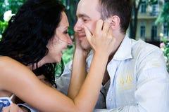 Os amantes estão rindo Foto de Stock Royalty Free
