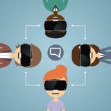 Os amigos comunicam-se com os vidros da realidade virtual Foto de Stock Royalty Free