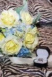Os anéis de WeddingFotografia de Stock