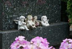 Os anjos abençoam e olham Foto de Stock Royalty Free