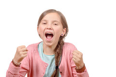 Os anos pequenos bonitos da menina levantam suas mãos na Fotografia de Stock