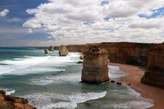 Os 12 apóstolos movem Campbell, grande estrada do oceano em Victoria 12 apóstolos perto do porto Campbell, grande estrada em Vict Imagem de Stock