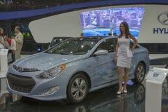 Modelo do carro híbrido da sonata de Hyundai na exposição foto de stock royalty free