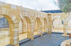 Os arcos de pedra da igreja da multiplicação Imagem de Stock