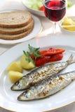 Os assadas de Sardinhas, carvão vegetal grelharam sardinhas Imagens de Stock