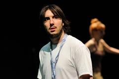 Os atores do teatro de Barcelona instituem, jogam na comédia Shakespeare para executivos foto de stock