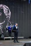 Os atores leram o poema Eugene Onegin na fase no quadrado vermelho em Moscou imagem de stock royalty free